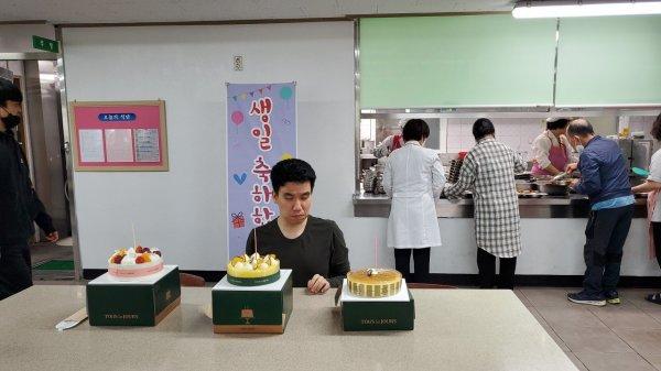 5월 생일가족 (윤종윤) 생일 축하 파티  이미지